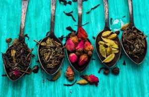 five varieties of loose teas