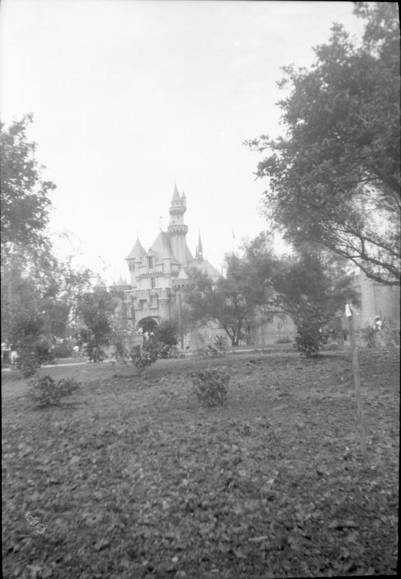 1955-07-18- Disneyland 12
