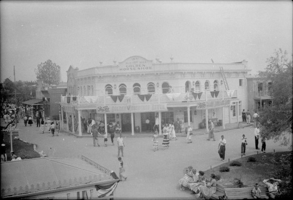 1955-07-18- Disneyland 7