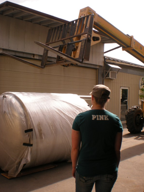 fermenter tank moving 043