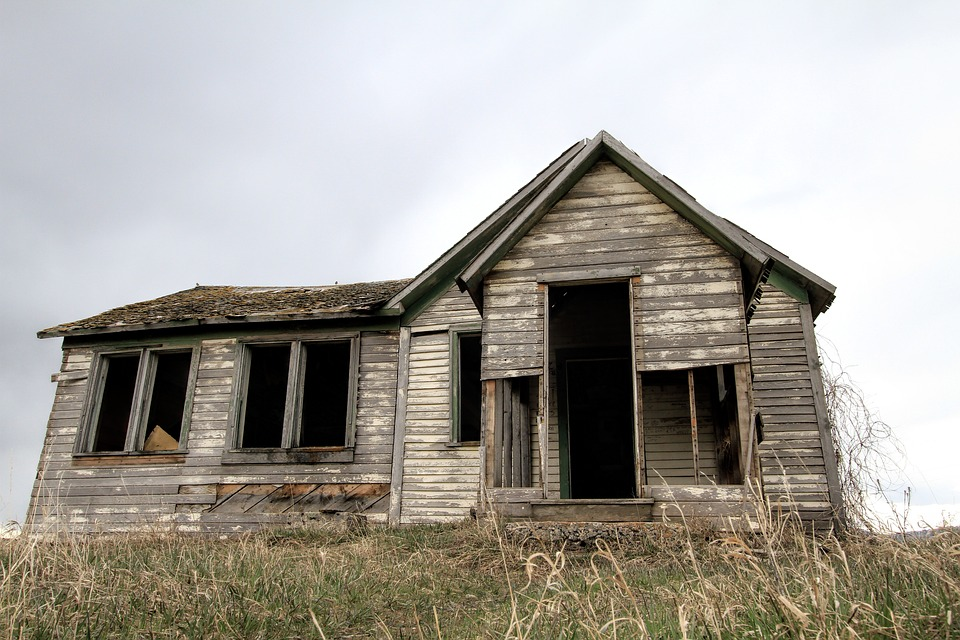old-farm-house-2096648_960_720CC0-license.pixabay-com