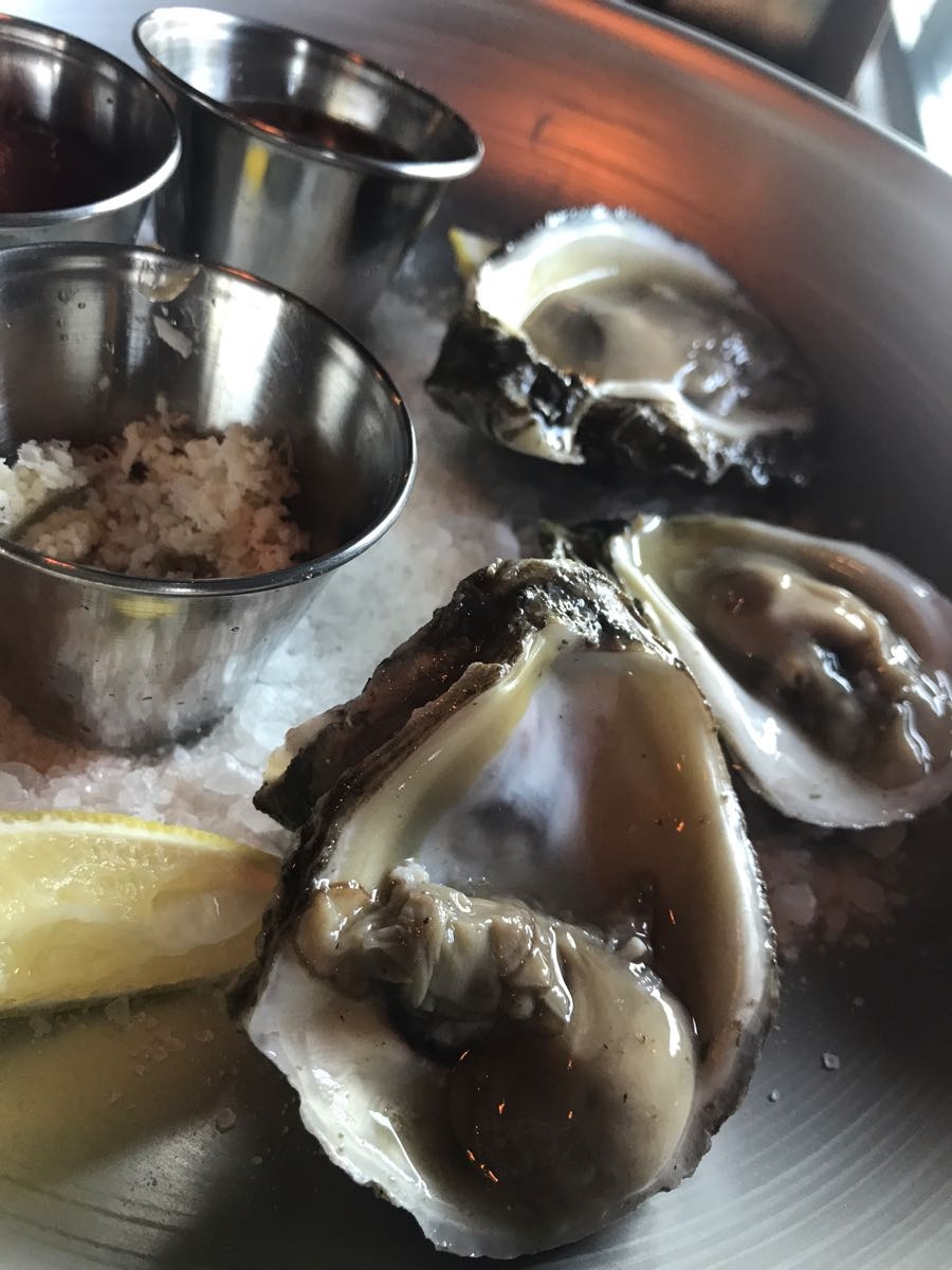 Oyster Mondays at Riel-1