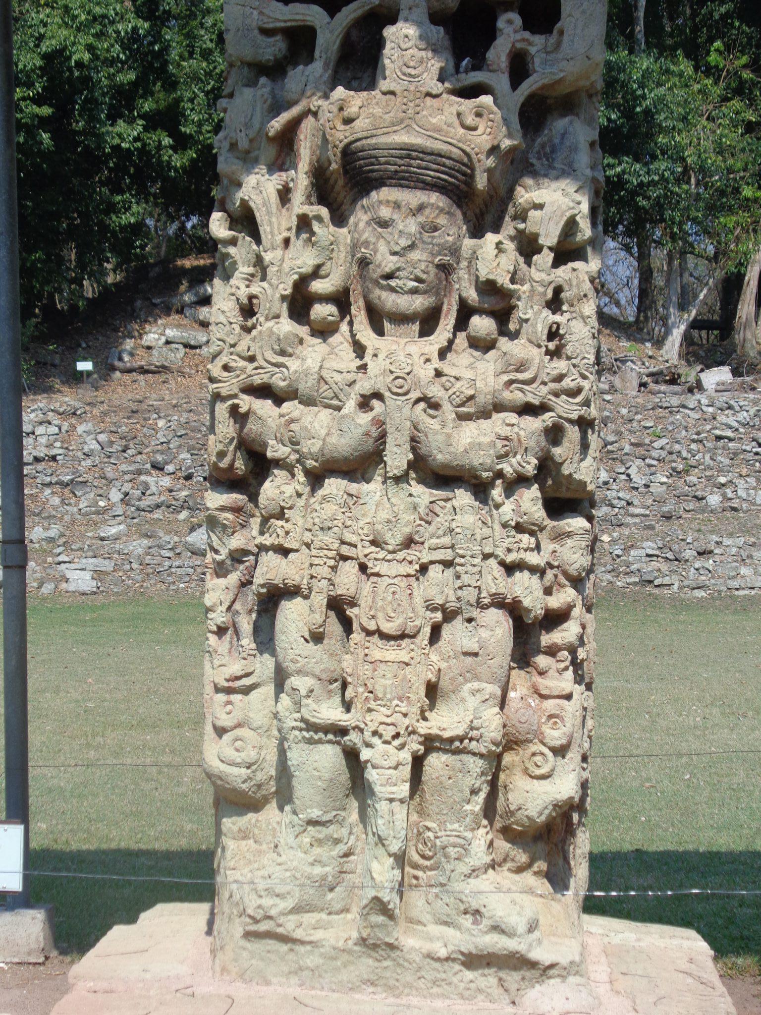 Copan-ruins-Stelae