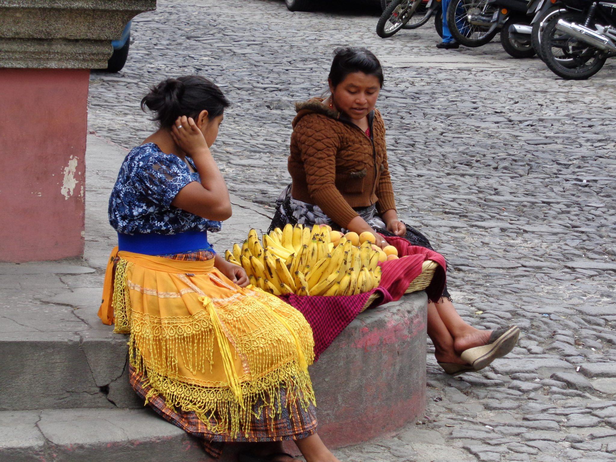 Street-vendors-guatemala
