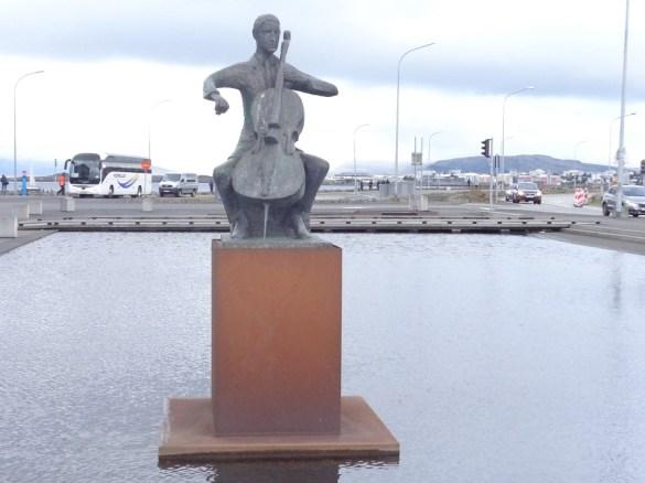 harpa-statue