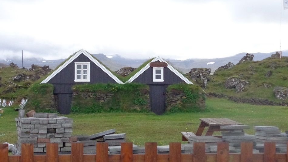 Houses-iceland-history