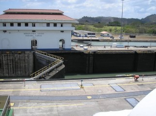 panama-canal-locks