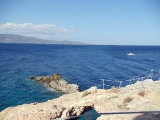 hydra-beach