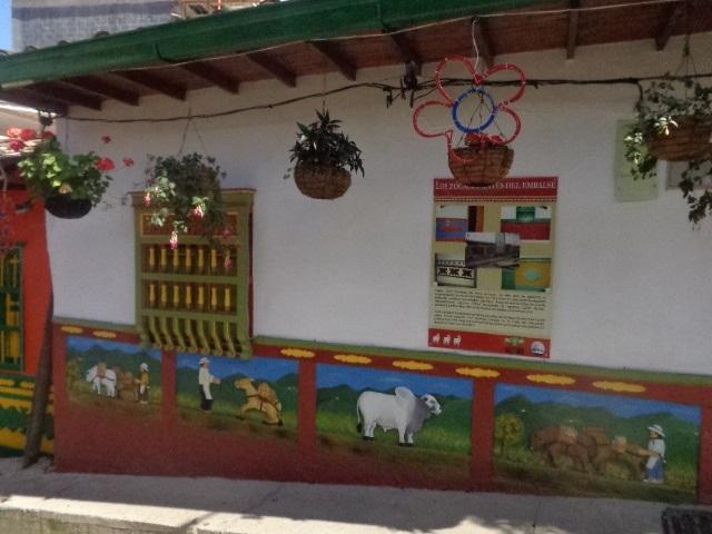 guatape-wall-arts