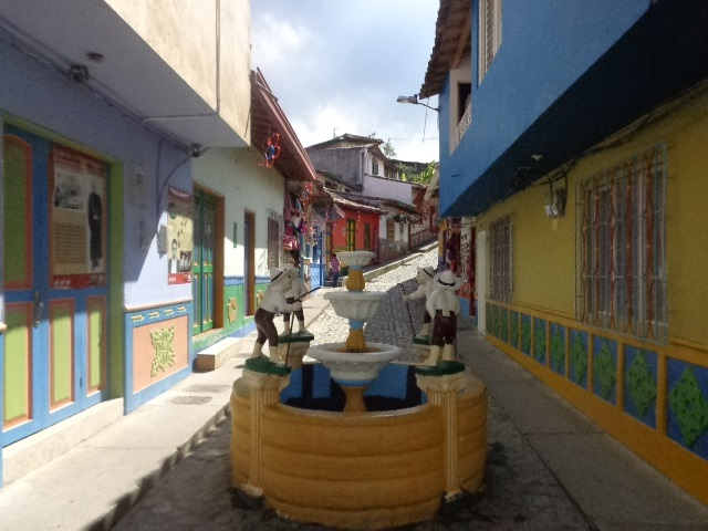 Guatapé, Columbia – A Great Day Trip To Take While In Medellin