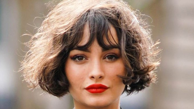 French bob - Typical hairstyle of Paris ladies