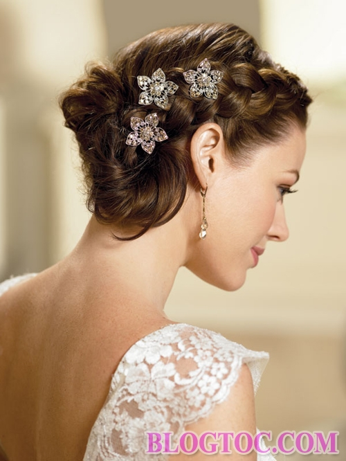 Beautiful classic bridal hairstyles add to her elegance and elegance 4