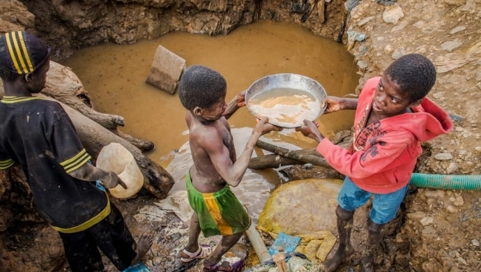 Congolese child labor for the colonizers kkkonflict minerals