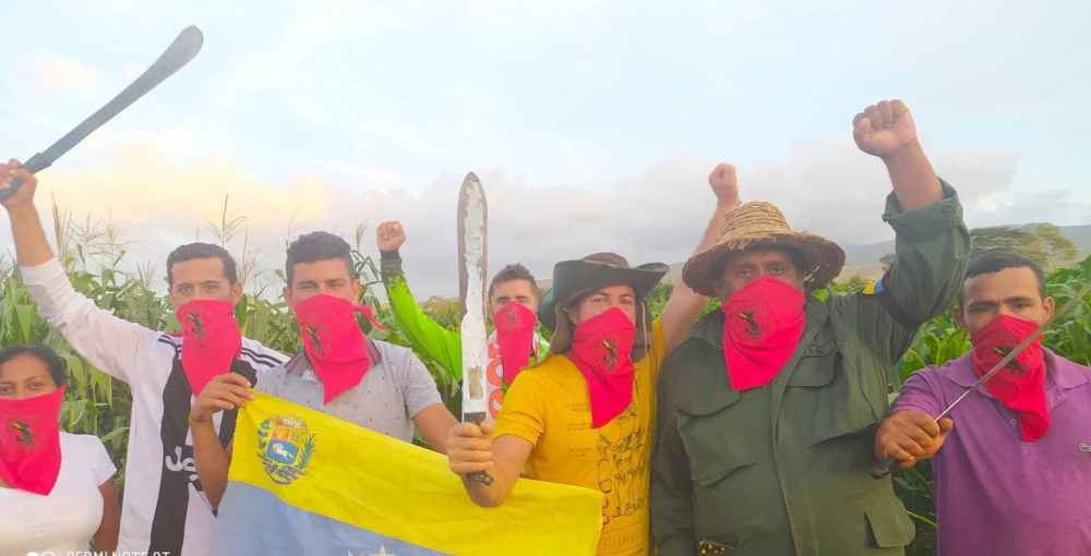 Pachamama peasants showing unity
