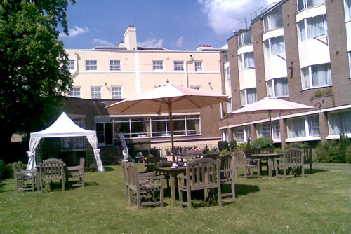 Clarendon Hotel, Garden