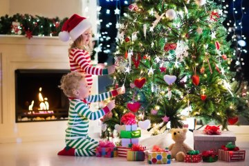 Kids Decorating Tree