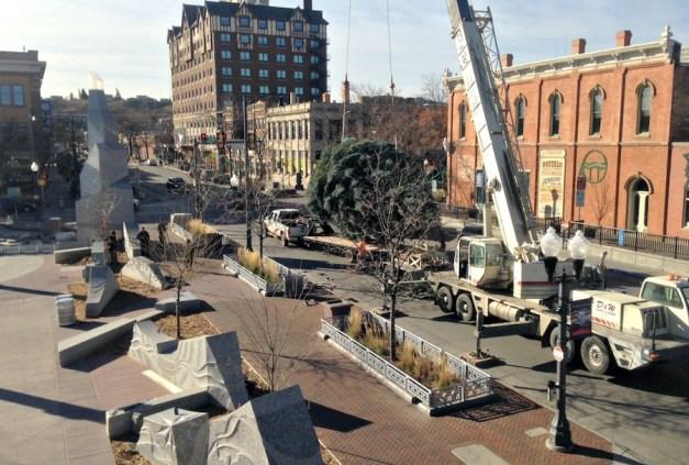 Main Street Square Christmas Tree
