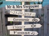 Wegwijzerspaal bruiloft