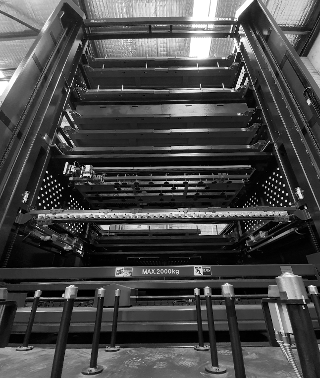 black and white image of machinery