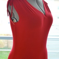 { NEW LOOK 6088 OOP } Red shoulder love...