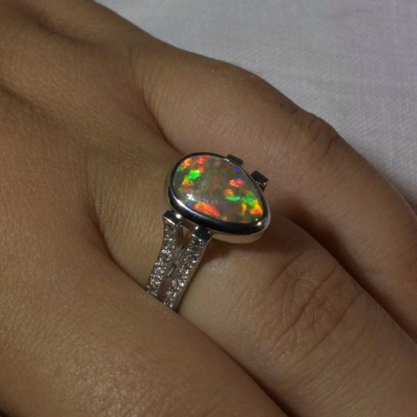 Australian Natural Crystal Black Opal Gold Diamond Ring j004