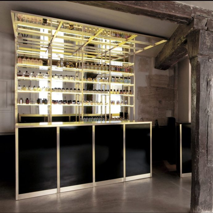 Liquids perfume bar in Paris