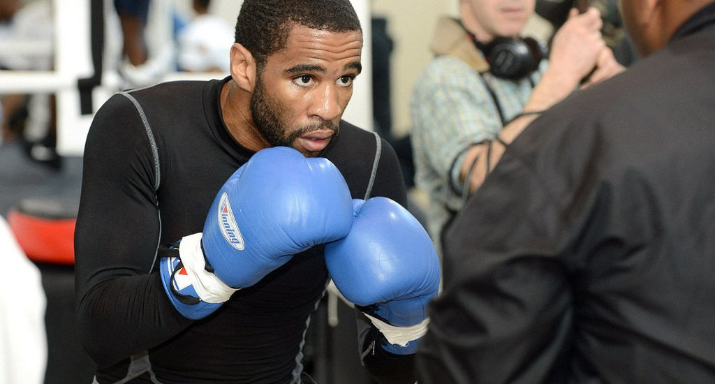 Lamont Peterson Loses to Errol Spence