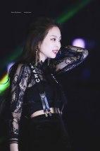 Blackpink-Jennie-SBS-Gayo-Daejun-2017-8