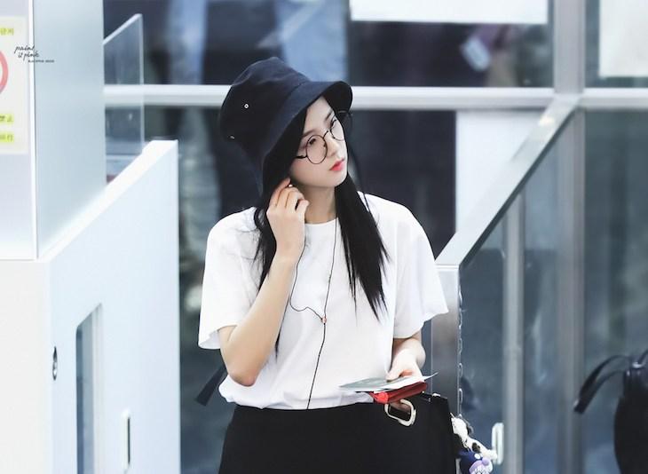 Blackpink Jisoo Airport style bucket hat