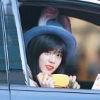 Blackpink Jisoo Car Photos Bunny Bowler Hat
