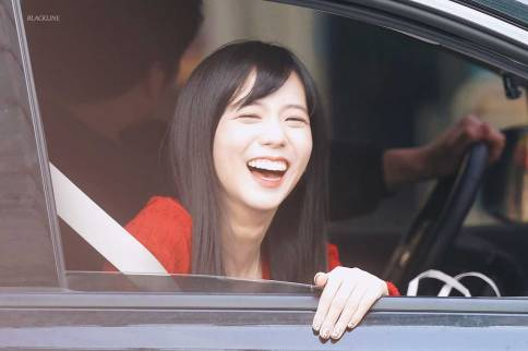Blackpink-Jisoo-car-photos-inkigayo-22
