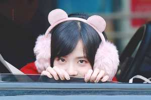 Blackpink-Jisoo-car-photos-inkigayo-24