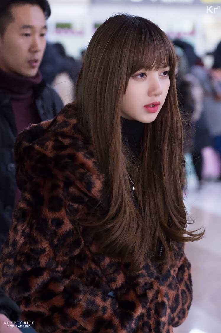 Blackpink Lisa Winter Fashion Airport