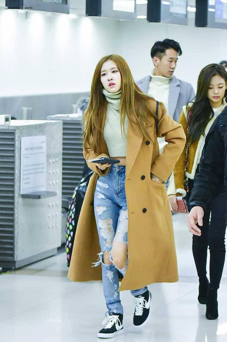 Blackpink Rose Airport Fashion