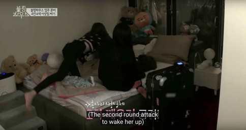 Lisa-in-Jennie's-Room-3