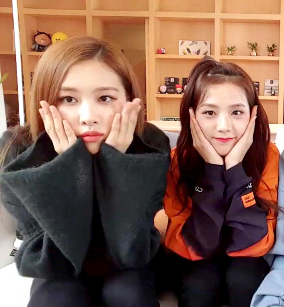 Blackpink Jisoo And Rose In New Hair Color 2018