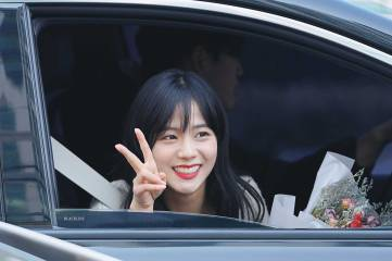 Blackpink-Jisoo-Car-Photos-Inkigayo-8