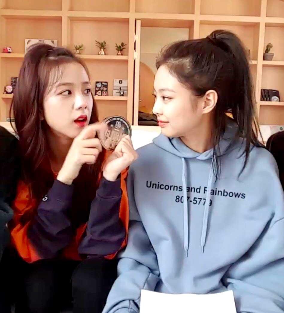 Blackpink Jisoo New Hair Color And Jennie Jensoo