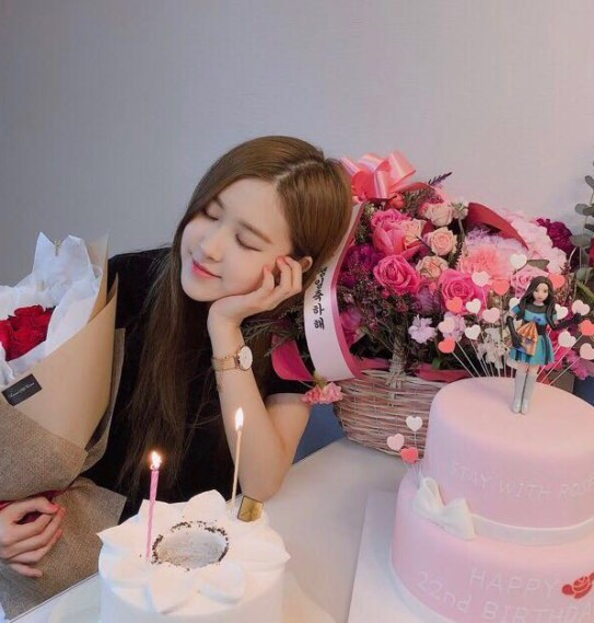 Blackpink Rose Birthday Rosie Posie Day February 11, 2018