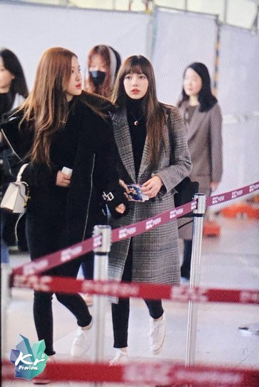 Blackpink Rose Lisa Winter Airport Style Jeju Island 2018