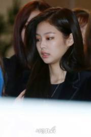 Blackpink-Jennie-Airport-Fashion-27-March-to-Japan-5