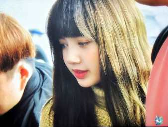 Blackpink-Lisa-Airport-Fashion-27-March-to-Japan-22