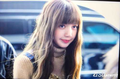 Blackpink-Lisa-Airport-Fashion-27-March-to-Japan-28
