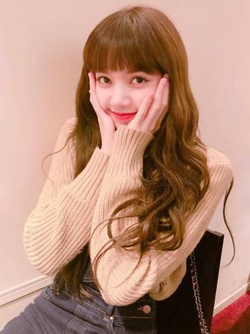 Blackpink-Lisa-Birthday-Instagram-post-2018-Brightest-Star-Lisa-Day-2