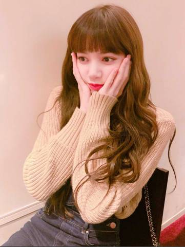 Blackpink-Lisa-Birthday-Instagram-post-2018-Brightest-Star-Lisa-Day-3