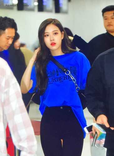 Blackpink-Rose-Airport-Fashion-27-March-to-Japan-21