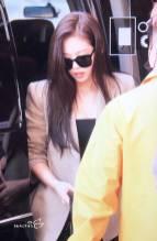 Blackpink-Jennie-Airport-Fashion-20-April-2018-photo-34