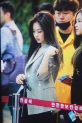 Blackpink-Jennie-Airport-Fashion-20-April-2018-photo-48
