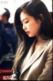 Blackpink-Jennie-Airport-Fashion-20-April-2018-photo-6