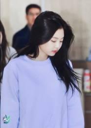 Blackpink-Jennie-Airport-Fashion-22-April-2018-photo-23